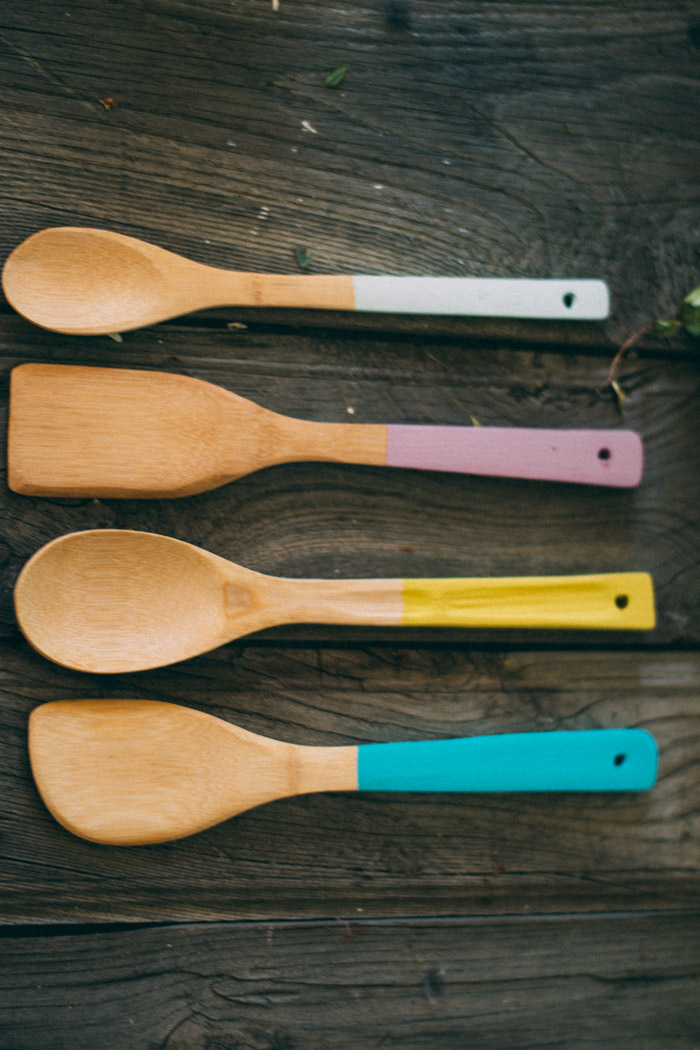 Cucharas madera con color diy