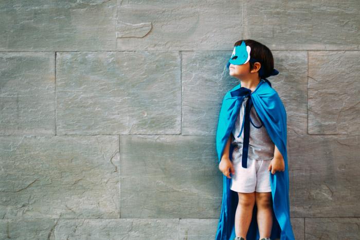 Cómo hacer capas de Superhéroes DIY