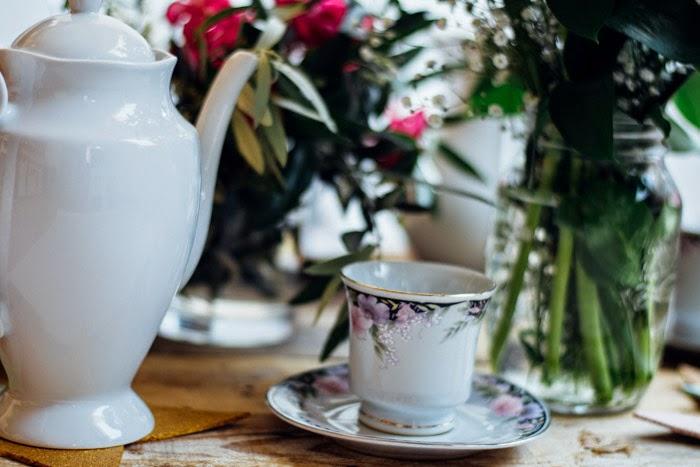 Prepara una bonita mesa de café