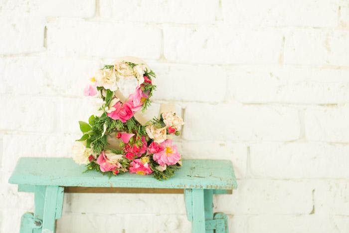 Cómo hacer una letra con flores