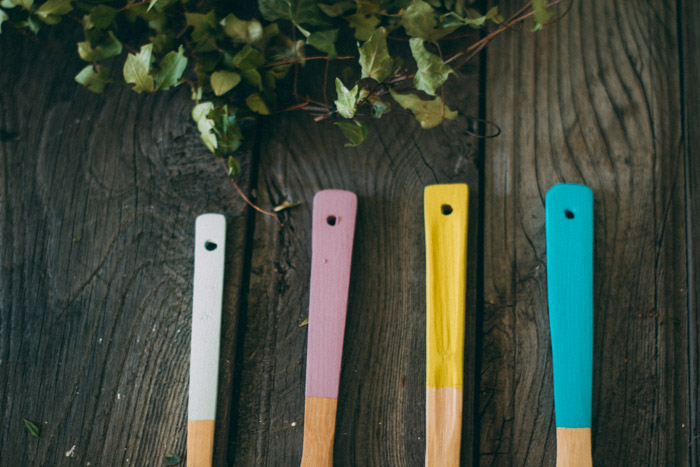 Cucharas madera con color diy