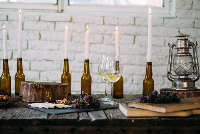 Decoración con botellines de cerveza y velas