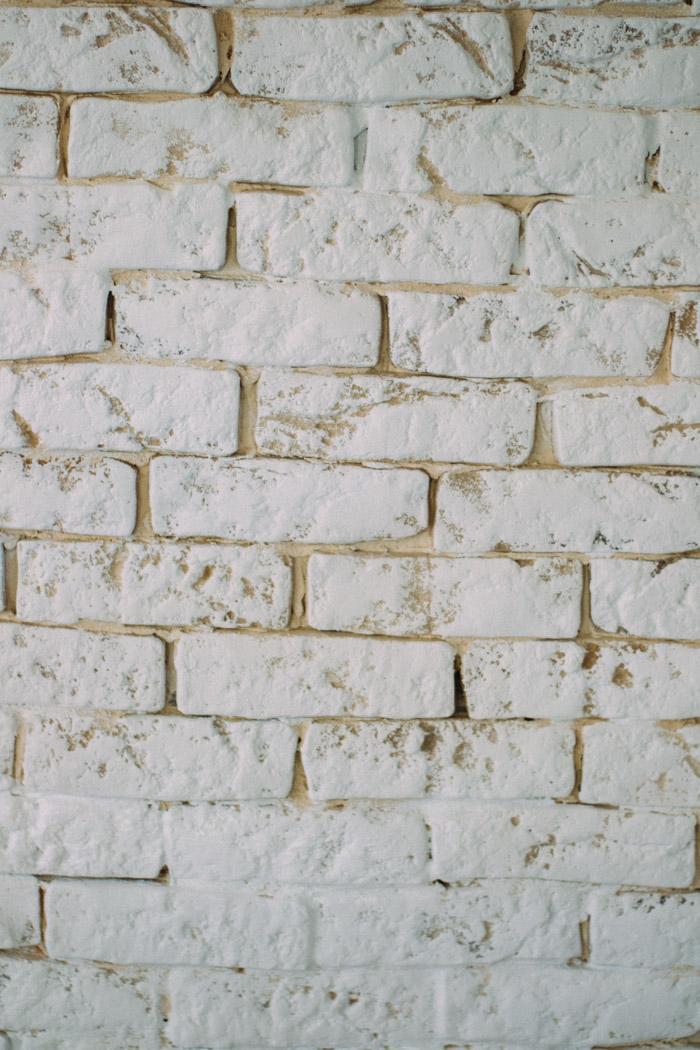 Como tener una pared de ladrillo blanco fácil