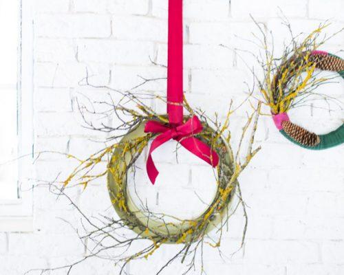 Coronas de Navidad con tela y ramas diy